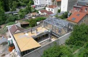 Une maison à ossature métallique, alternative économique aux maisons traditionnelles.