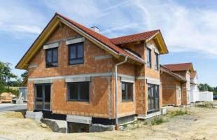 construire une maison en briques écologiques