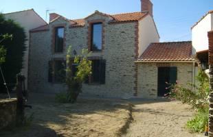 Maison en pierre par Véronique Jannin, architecte dplg